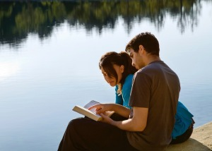 couple-lake-bible